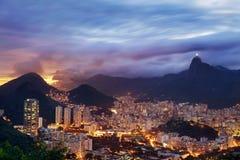 Paisaje de la puesta del sol de Rio de Janeiro fotografía de archivo libre de regalías