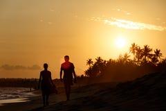 Paisaje de la puesta del sol en la playa Fotografía de archivo