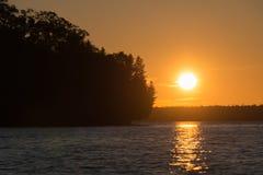 Paisaje de la puesta del sol de la línea de la playa de Manitou del lago en la isla de Manitoulin fotografía de archivo libre de regalías