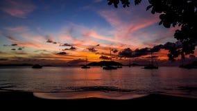 Paisaje de la puesta del sol de las Islas Vírgenes del ` del sueño del océano del ` imágenes de archivo libres de regalías
