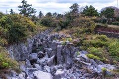 Paisaje de la roca de la charca de Yongyeon fotografía de archivo