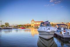 Paisaje de la tarde Barcos en el lago Ontario Rochester, los E.E.U.U. Imágenes de archivo libres de regalías