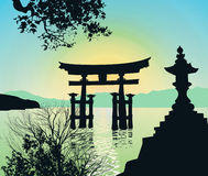 Paisaje de la tarde en Japón con la Toro-puerta Foto de archivo