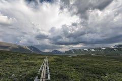 Paisaje de la tundra en Suecia septentrional Imagen de archivo libre de regalías
