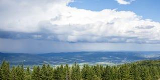 Paisaje de las montañas de Cárpatos Imagen de archivo libre de regalías