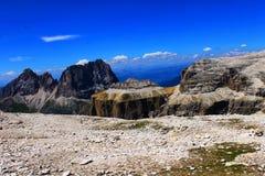Paisaje de las montañas con la elevación en los monumentos de Gruppo Sella, naturaleza en Dolomiti, montañas Italia, Europa de la foto de archivo