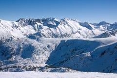 Paisaje de las montañas del invierno. Bulgaria, Bansko fotografía de archivo libre de regalías