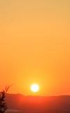 Paisaje de las montañas en la puesta del sol Imágenes de archivo libres de regalías
