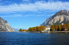 Paisaje de Lecco del lago, Italia Imágenes de archivo libres de regalías