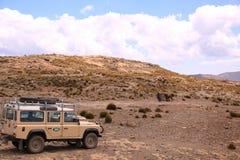 Paisaje de Lesotho con el coche Imágenes de archivo libres de regalías