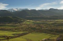 Paisaje de los Pirineos catalanes, Cerdanya, Girona, España de la puesta del sol Imagen de archivo