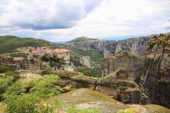 Paisaje de monasterios en el monte Athos en Grecia, mucha altitud Imagenes de archivo