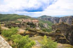 Paisaje de monasterios en el monte Athos en Grecia, mucha altitud Fotografía de archivo libre de regalías