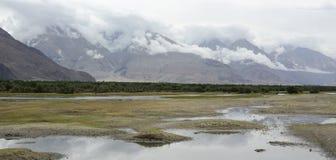 Paisaje de montañas en Nepal Imagen de archivo libre de regalías