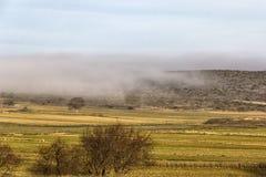Paisaje de niebla en España, Aragón Imagen de archivo libre de regalías