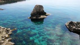 Paisaje de Protaras, mar de Meditarian, Chipre metrajes