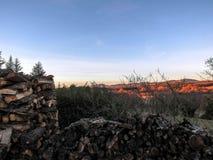 Paisaje de Provancal en la puesta del sol, Provence, Francia meridional fotos de archivo