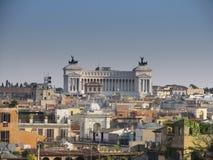 Paisaje de Roma con el monumento del soldado desconocido Foto de archivo libre de regalías