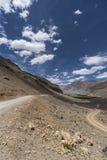 Paisaje de Sandy Roads en Himalaya imagen de archivo libre de regalías