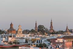Paisaje de Sevilla en la puesta del sol, España foto de archivo