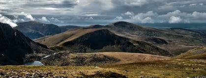 Paisaje de Snowdonia con el lago Imagenes de archivo