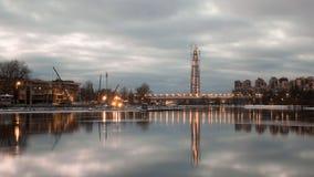 Paisaje de St Petersburg del centro de Lahta de la isla de Krestovsky Imagen de archivo libre de regalías