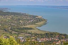 Paisaje de un lago Balatón en Hungría imagen de archivo