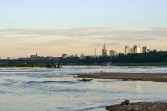 Paisaje de Varsovia en un río Foto de archivo