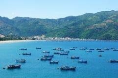 Paisaje de Vietnam, playa, montaña, ecología, viaje foto de archivo