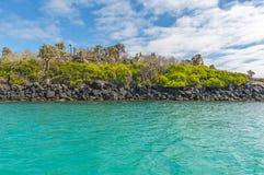 Paisaje del agua de la turquesa de las islas de las Islas Galápagos, Ecuador imagen de archivo