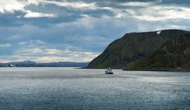 Paisaje del barco de pesca imágenes de archivo libres de regalías