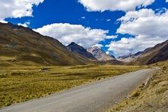 Paisaje del camino de la montaña   imagen de archivo