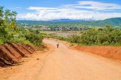 Paisaje del camino en Tanzania Foto de archivo libre de regalías