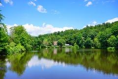 Paisaje del campus de la universidad del Mt Holyoke Imagen de archivo libre de regalías