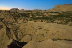 Paisaje del desierto de Navarra en noche iluminada por la luna Fotografía de archivo