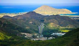 Paisaje del este de Oahu con las montañas que llevan al mar, Hawaii imágenes de archivo libres de regalías