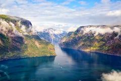 Paisaje del fiordo en Noruega fotos de archivo libres de regalías