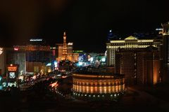 Paisaje del horizonte de Las Vegas en la noche imágenes de archivo libres de regalías