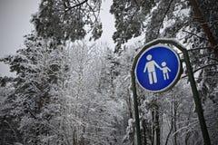 Paisaje del invierno con la muestra. Imagenes de archivo