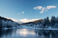 Paisaje del invierno de la montaña Fotos de archivo libres de regalías