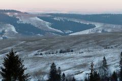 Paisaje del invierno de la puesta del sol Ucrania 2018 imagen de archivo
