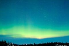 Paisaje del invierno del aurora borealis de la aurora boreal Foto de archivo libre de regalías
