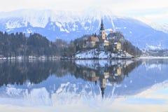Paisaje del invierno del lago Bled Fotos de archivo libres de regalías