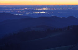 Paisaje del invierno después de la puesta del sol en el bosque negro, Alemania Fotografía de archivo libre de regalías