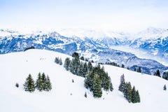 Paisaje del invierno Montañas alpinas Imagen de archivo libre de regalías