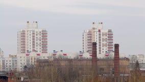 Paisaje del invierno Zona industrial de la ciudad Sityscape almacen de video