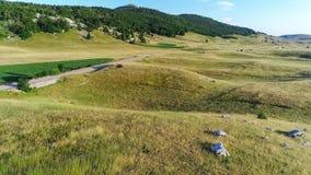 Paisaje del karst de la piedra caliza en el parque nacional de Durmitor montenegro Fotografía de archivo libre de regalías