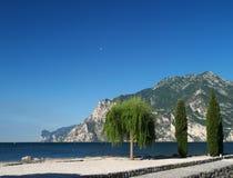 Paisaje del lago Garda, Italia fotografía de archivo