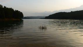 Paisaje del lago Sichar almacen de video