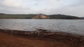 Paisaje del lago Sichar almacen de metraje de vídeo